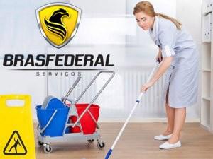 Auxiliares de Serviços Gerais em Limpeza